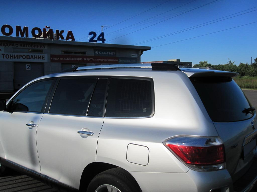 Тонировка стекол автомобиля Toyota