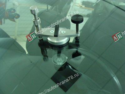Ремонт сколов, трещин лобового стекла автомобиля